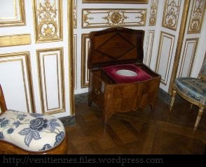 cabinet de toilette ancien